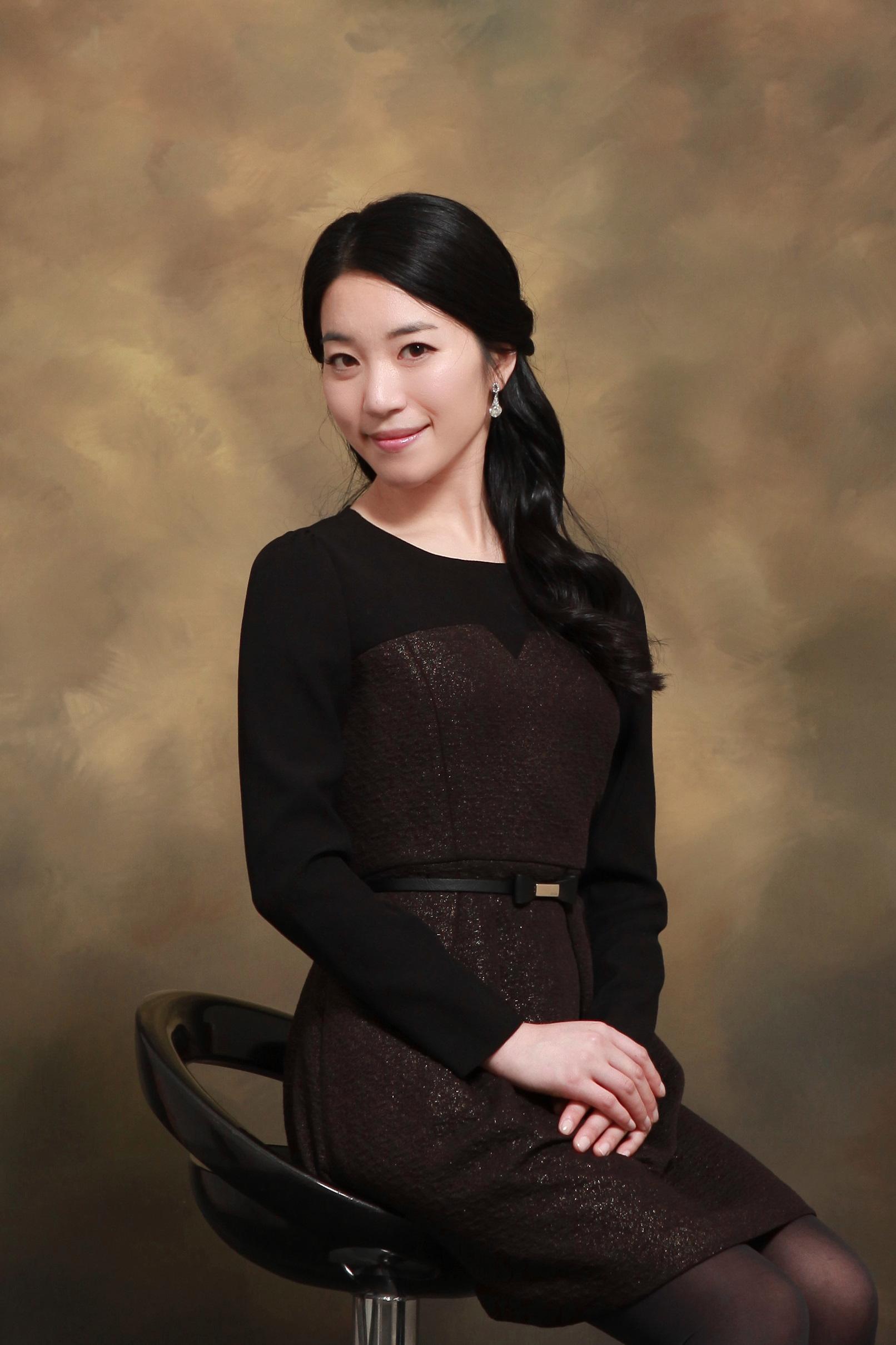 Mina Lee, South Korea