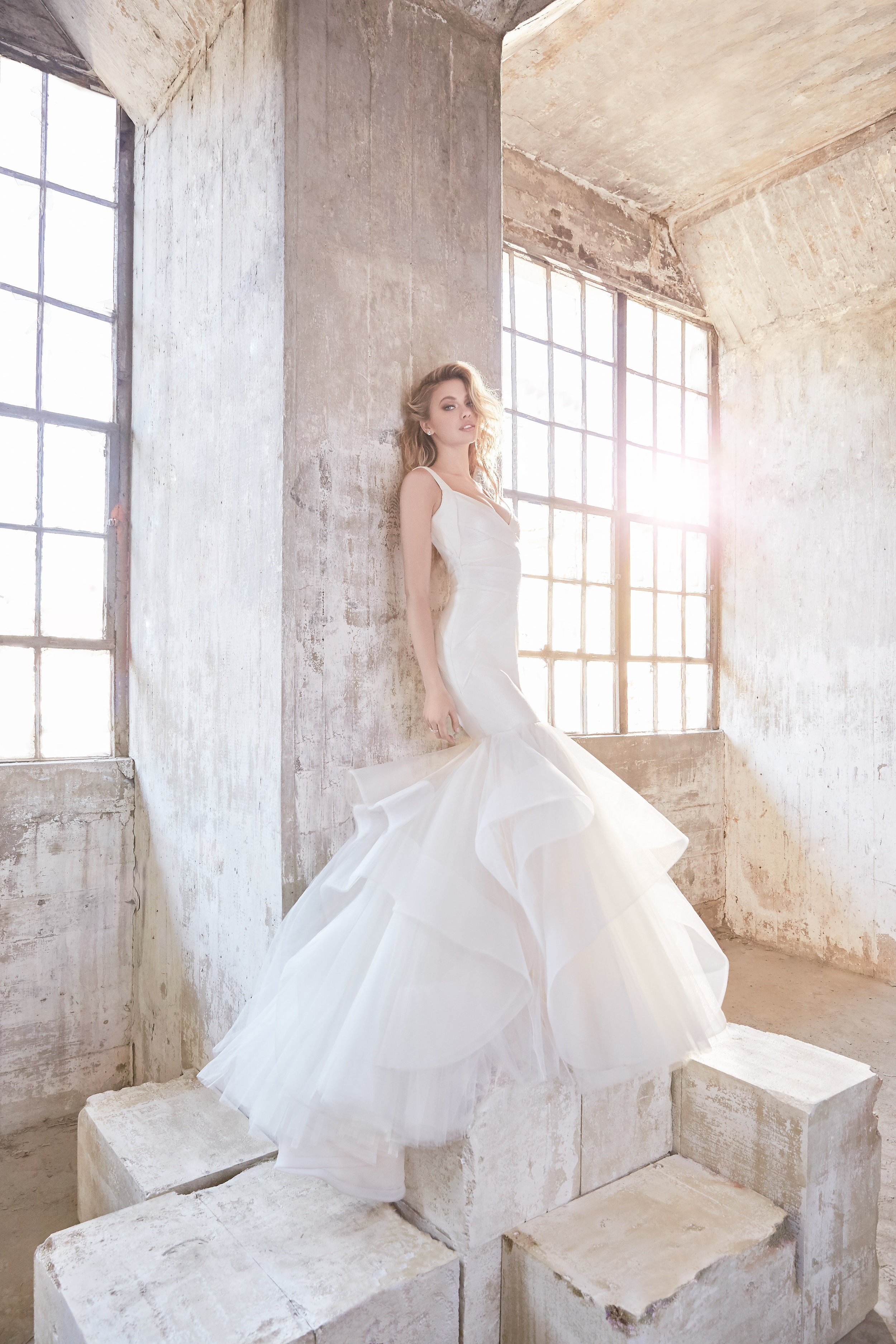 hayley-paige-bridal-spring-2018-style-6802-glazer_9.jpg