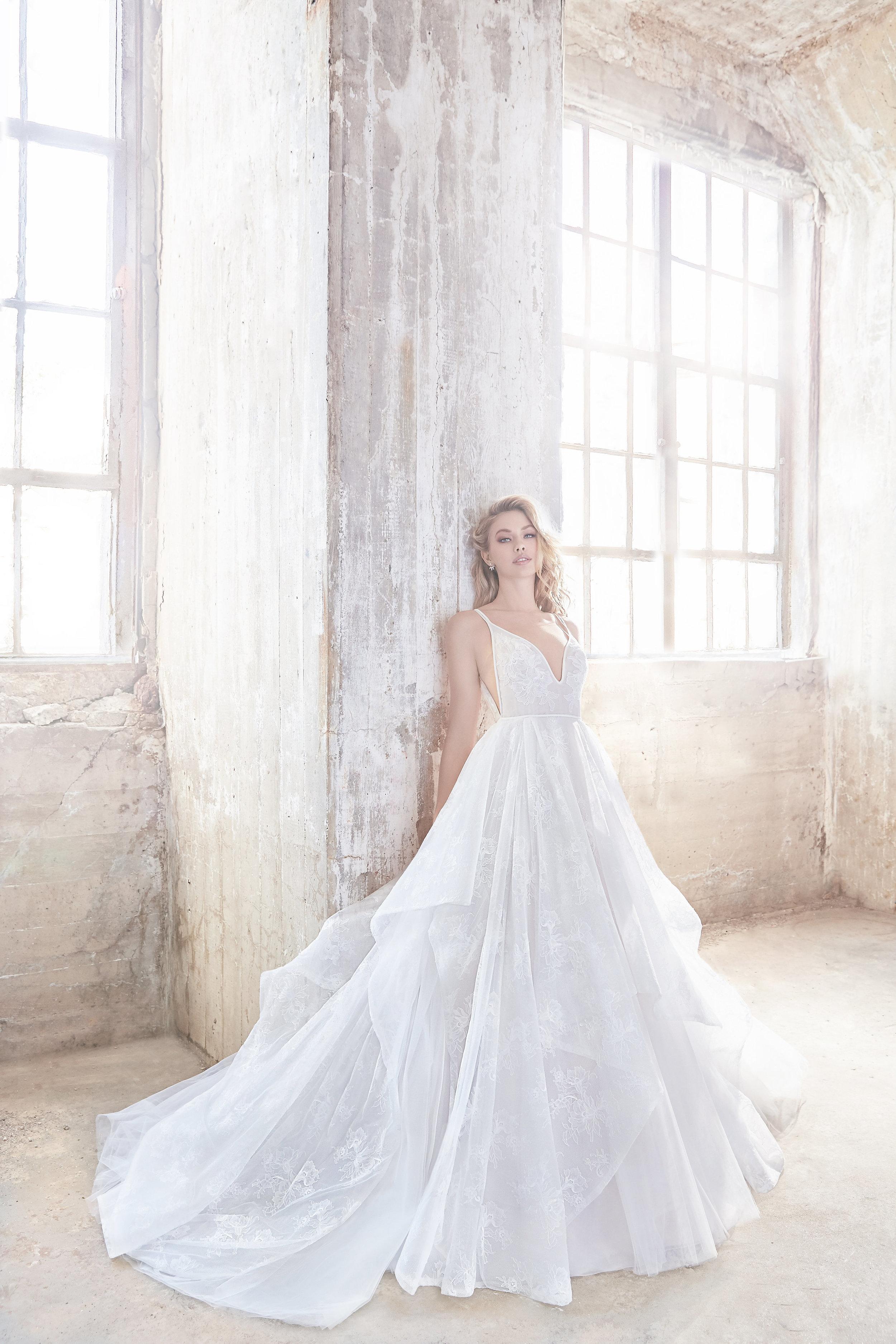 hayley-paige-bridal-spring-2018-style-6811-kellan_7.jpg
