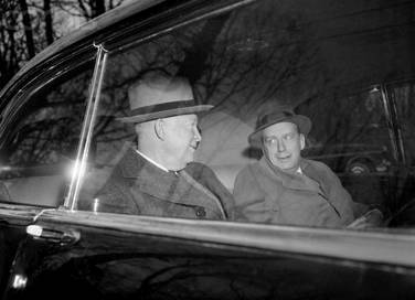 Afterwards, Ike and Brownell leave the club together