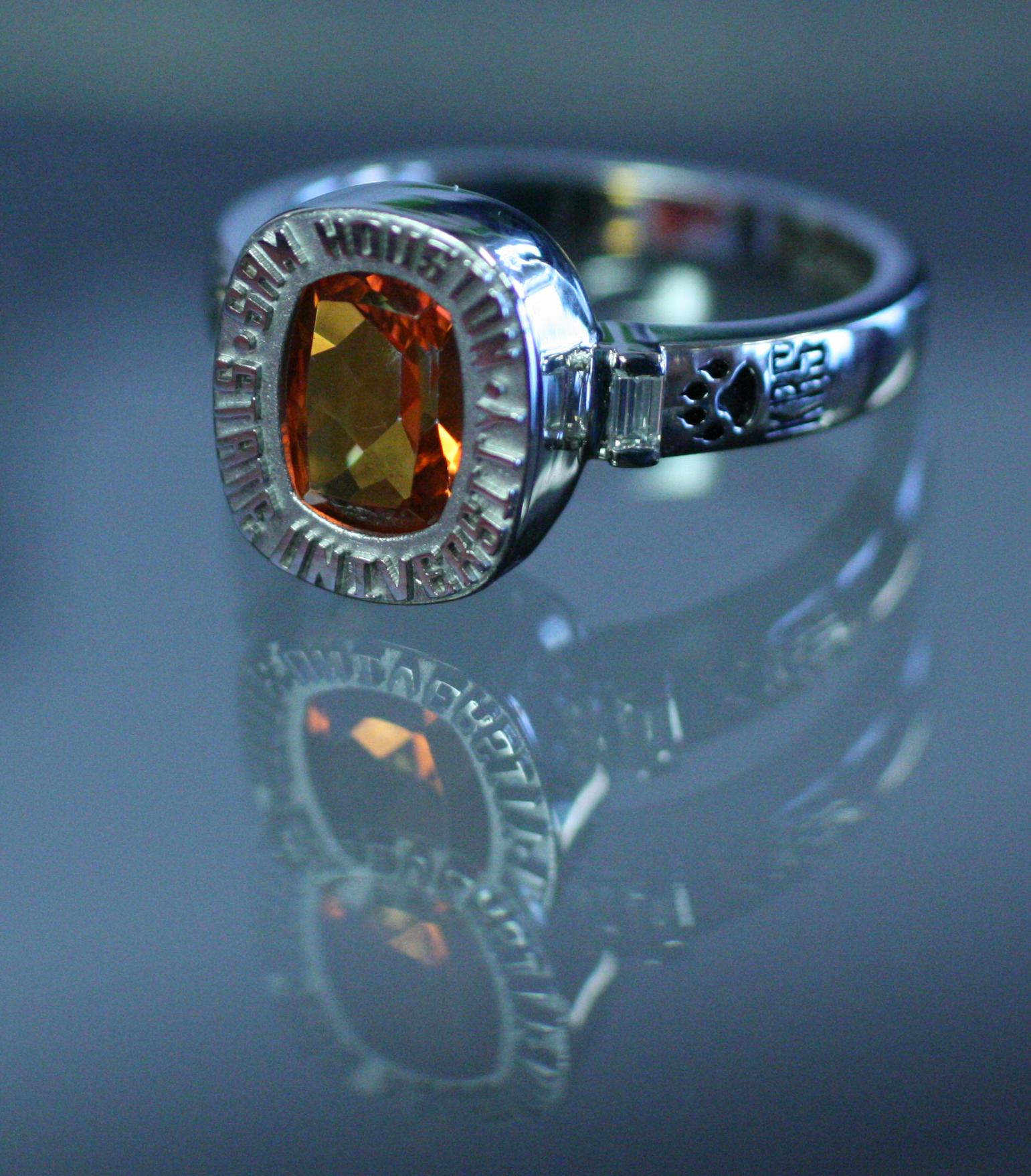 10k white gold university class ring