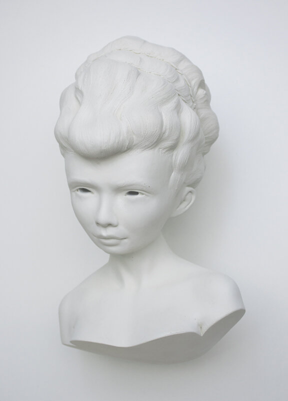 Into-her-eyes-front-Gosia-sculpture.jpg