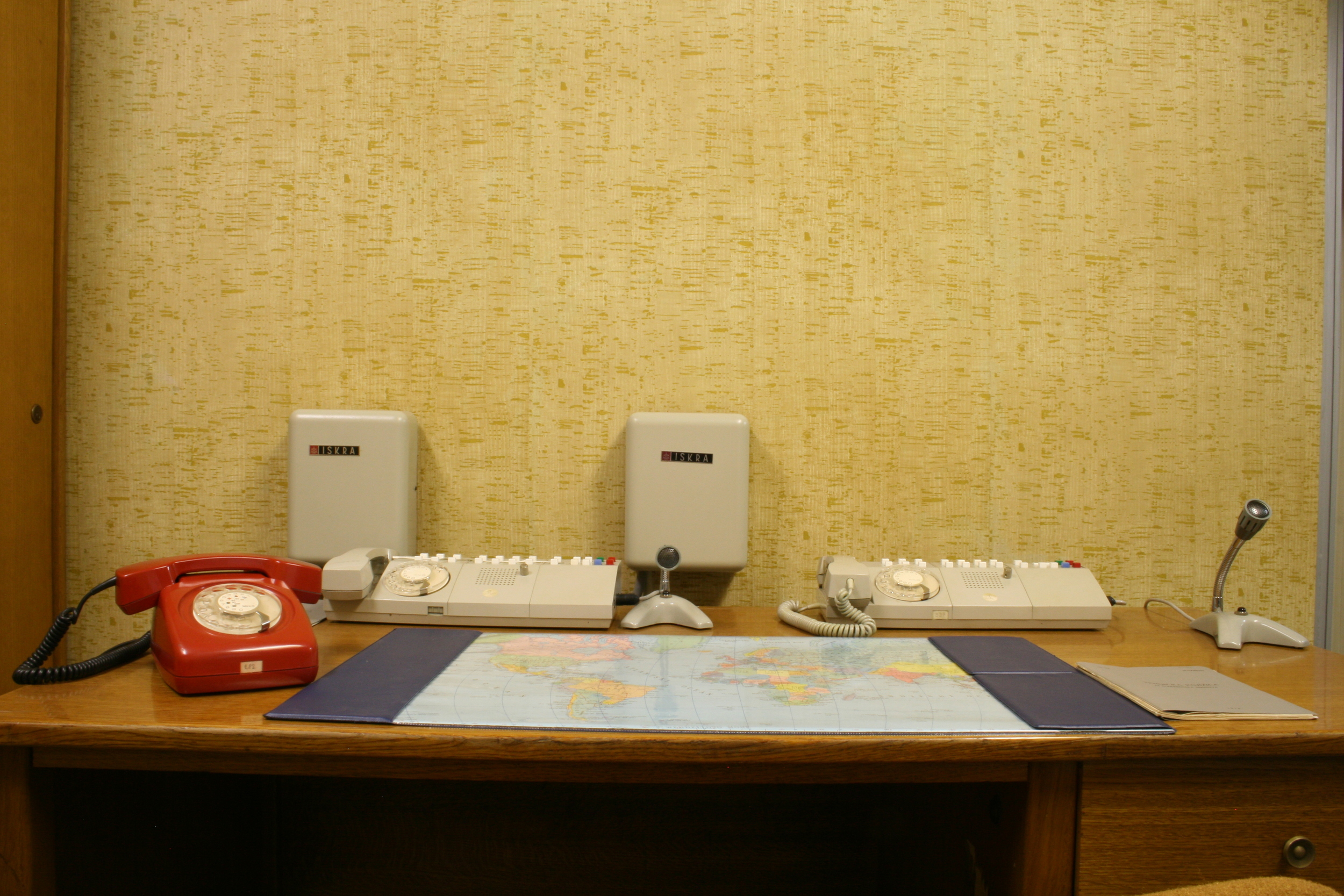 01tito secretary desk frontal 1.JPG