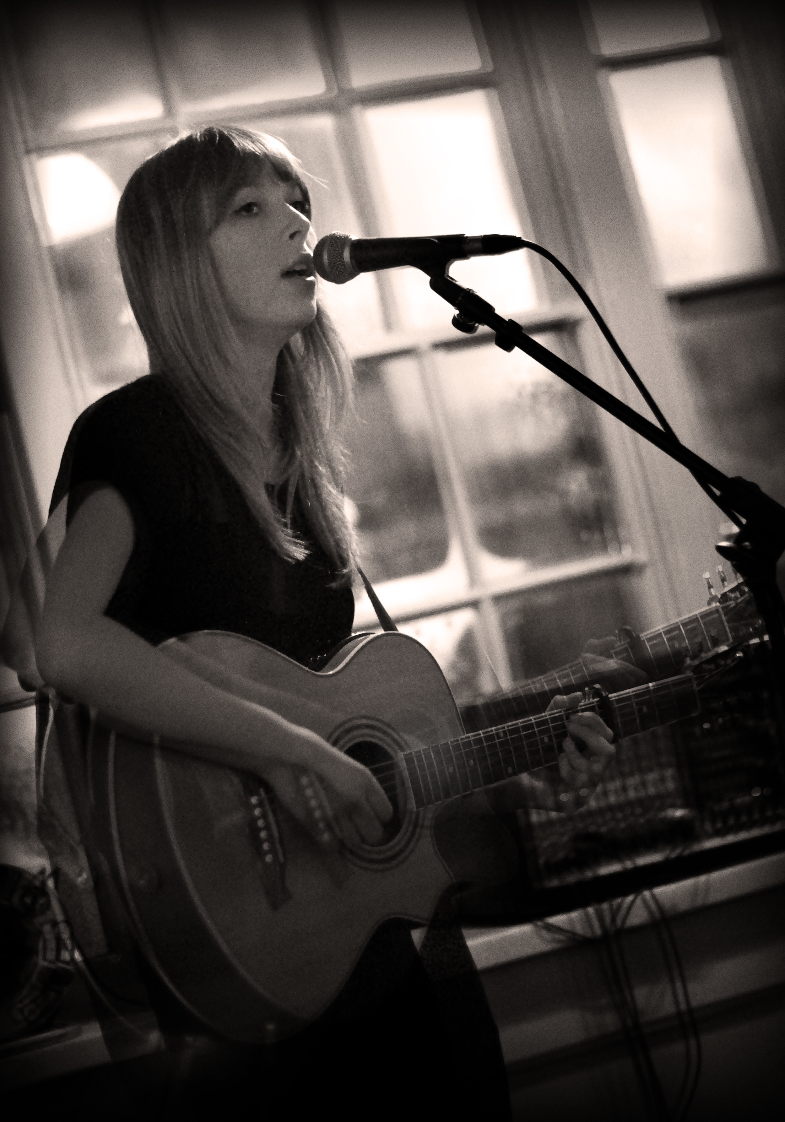 I performed one of my new songs for 2014, it's called 'Drifting' - seemed to go down well!