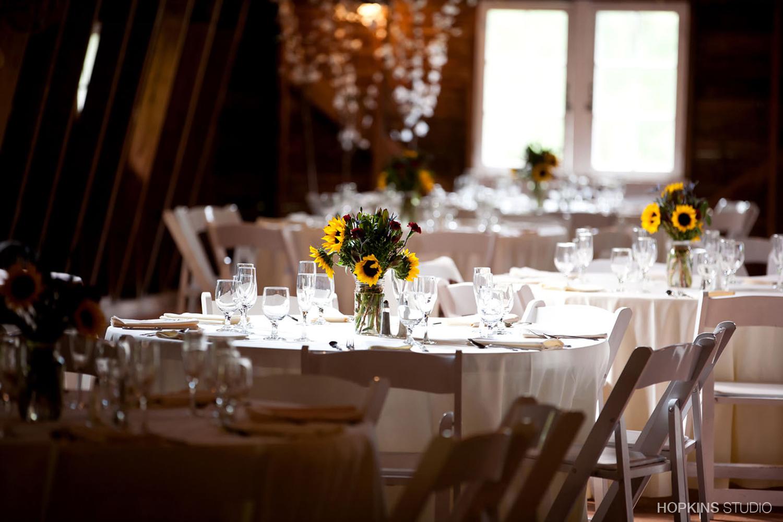 wedding-photography-Blue-Dress-Barn-Benton-Harbor-Michigan_111.jpg