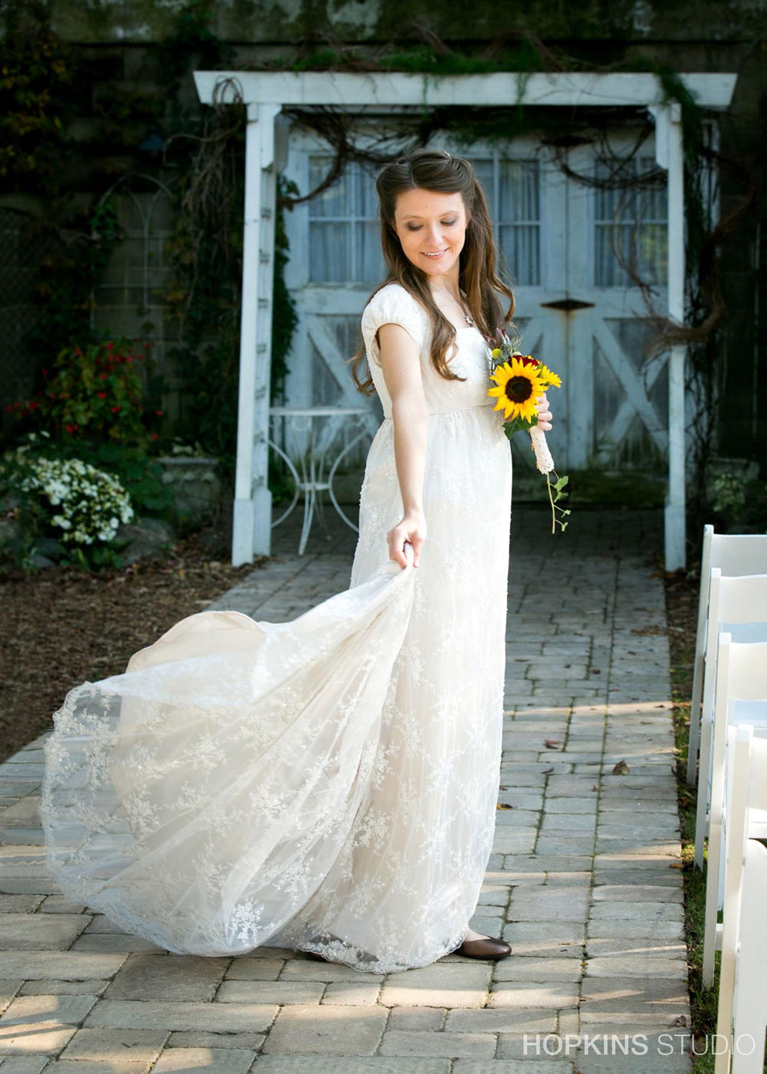 wedding-photography-Blue-Dress-Barn-Benton-Harbor-Michigan_114.jpg