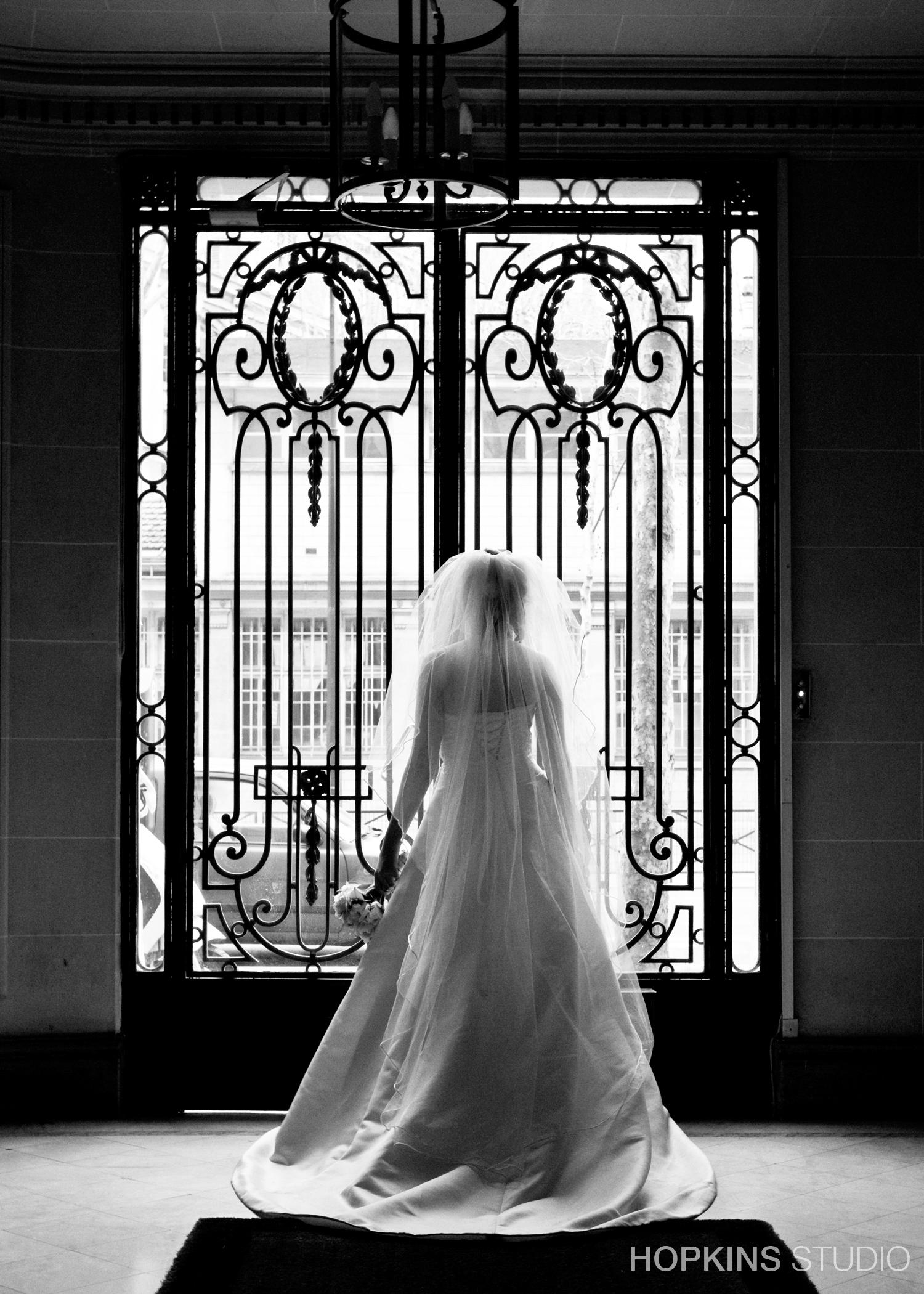 wedding-photography-Eiffel-Tower-Notre-Dame-Paris_26.jpg