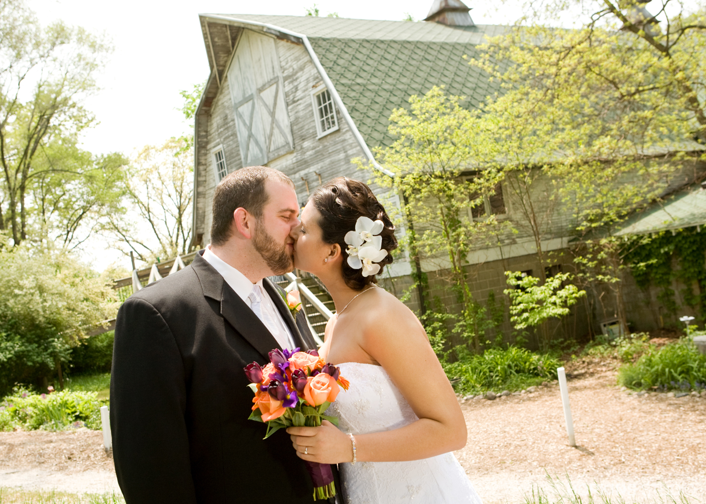 wedding-photography-Blue-Dress-Barn-Southwest-Michigan_05.jpg
