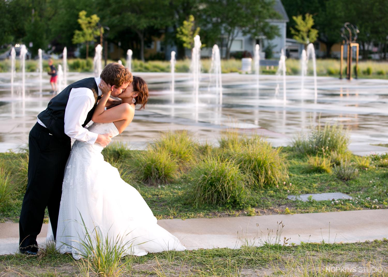 Wedding-Photography-Shadowland-Ballroom-St-Joseph-Southwest-Michigan_73.jpg