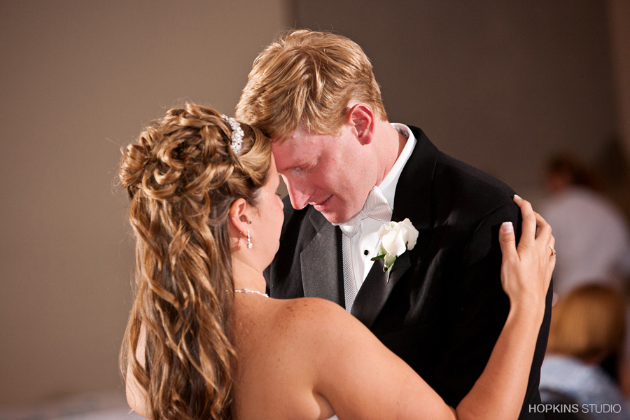 wedding-photography-Vineland-Center-Stevensville-Southwest-Michigan-weddings_23.jpg