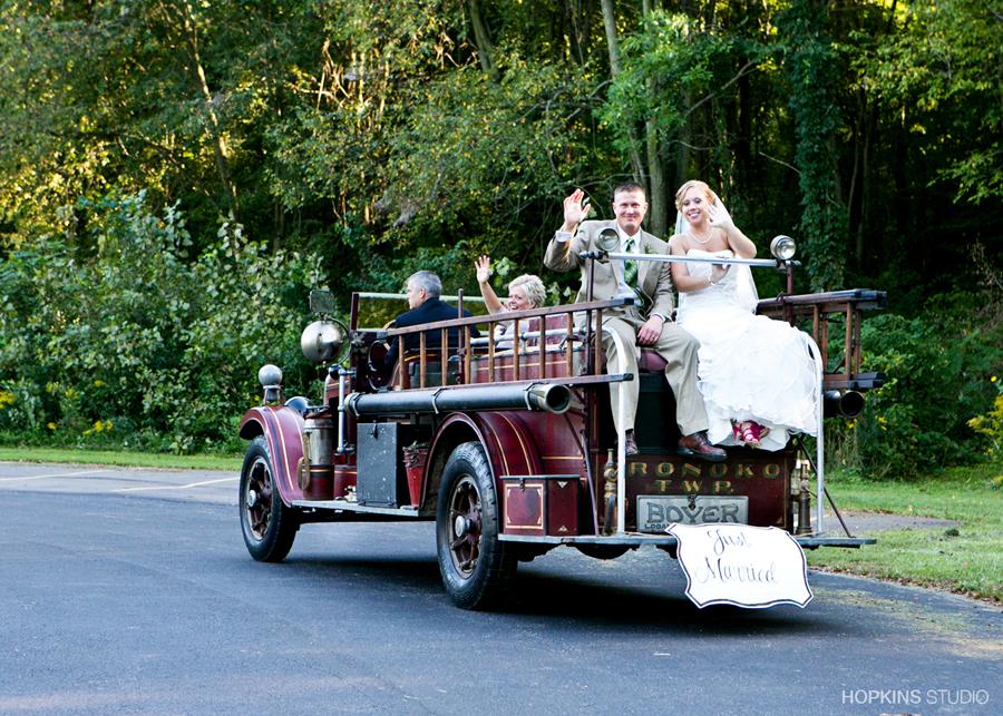 wedding-photography-Sarettt-Nature-Center-Southwest-Michigan-weddings_20.jpg