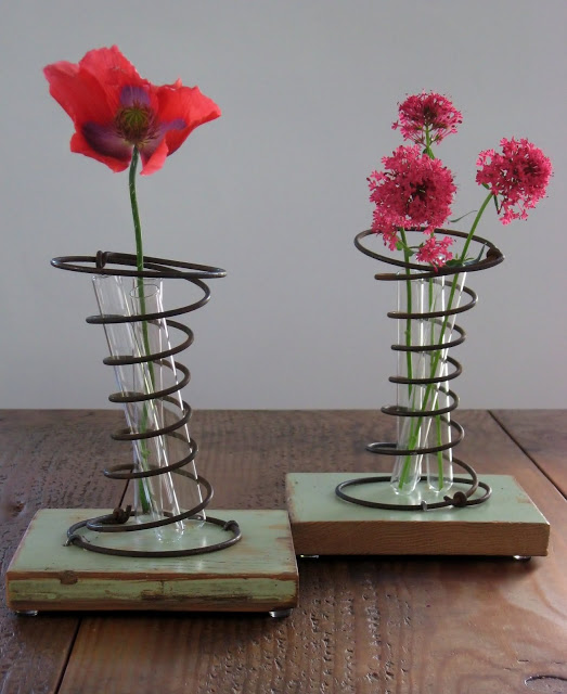 Use Old Bed Springs As Decorative Spring Vases