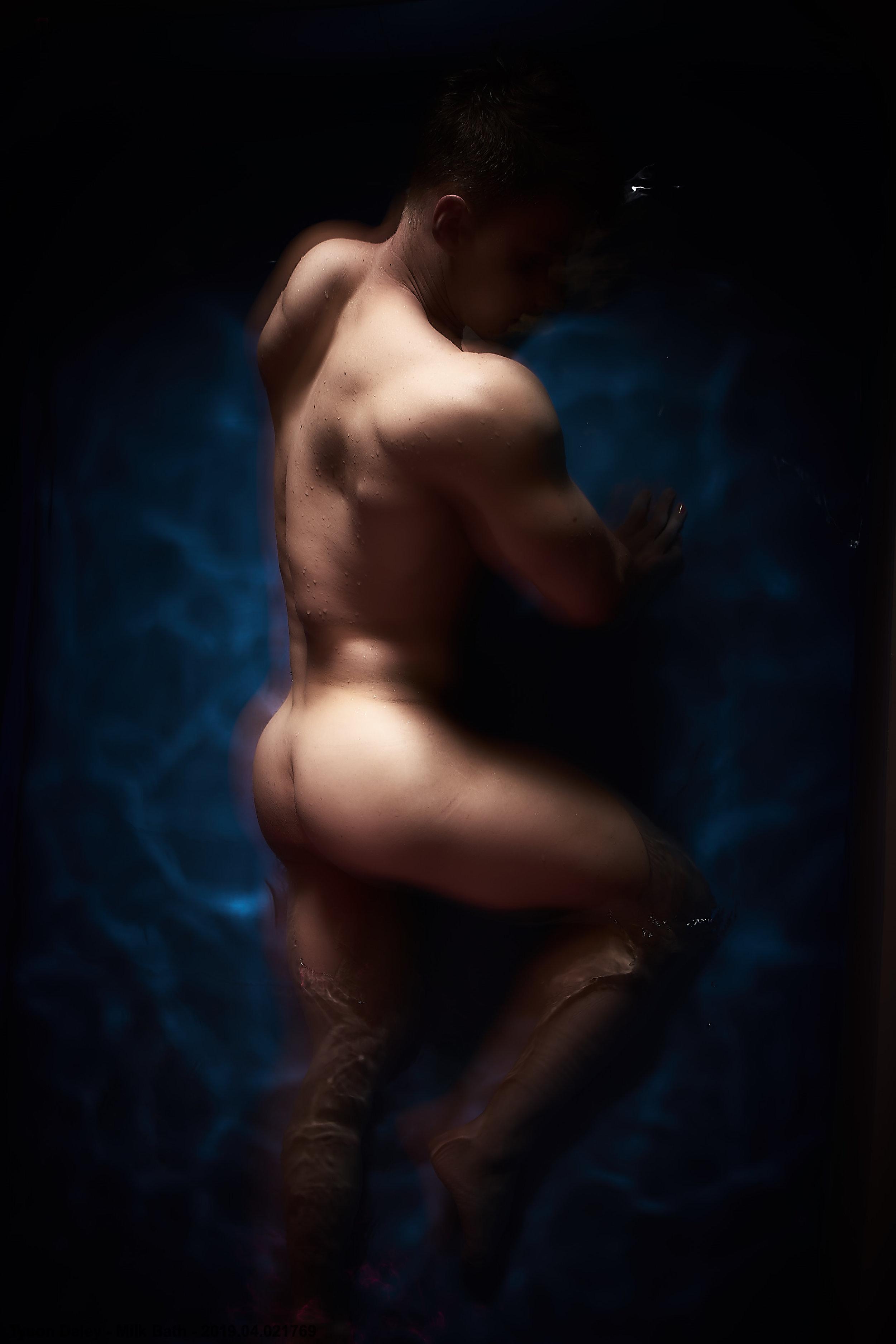 Tyson Daley - Milk Bath - 2019.04.021769.jpg