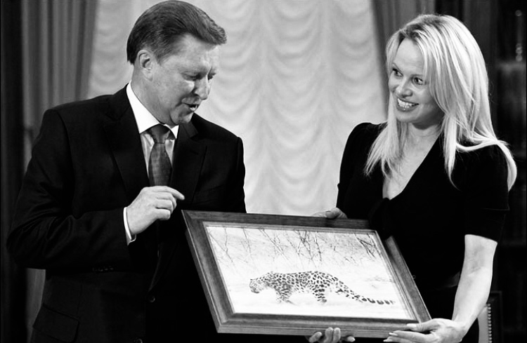 Pamela Anderson during a meeting with Sergey Ivanov in Kremlin, Moscow. Picture: Alexey Druzhinin, Ria Novosti