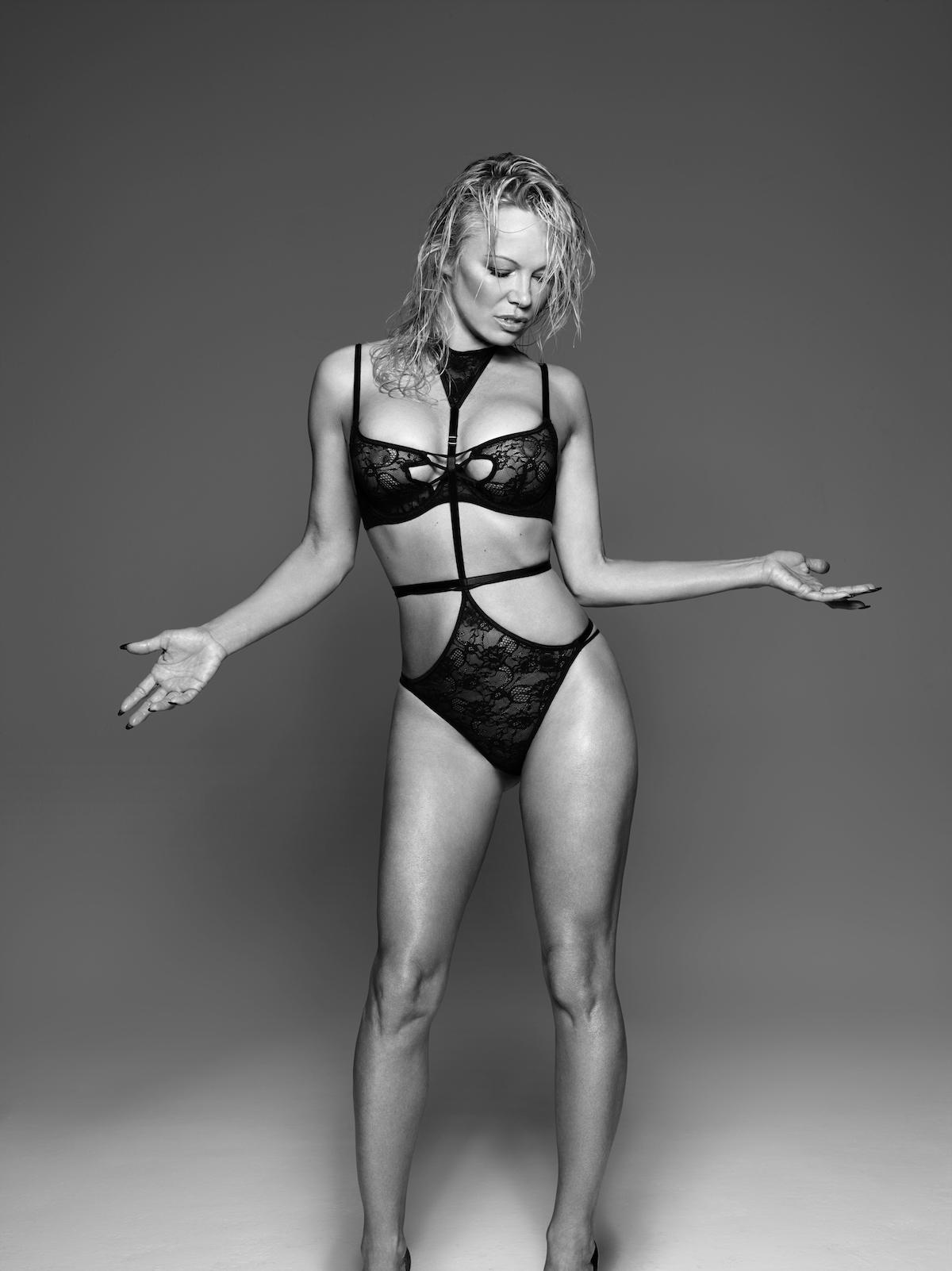 Coco-de-Mer-Pamela-Anderson-Icons-Minerva-6.jpg