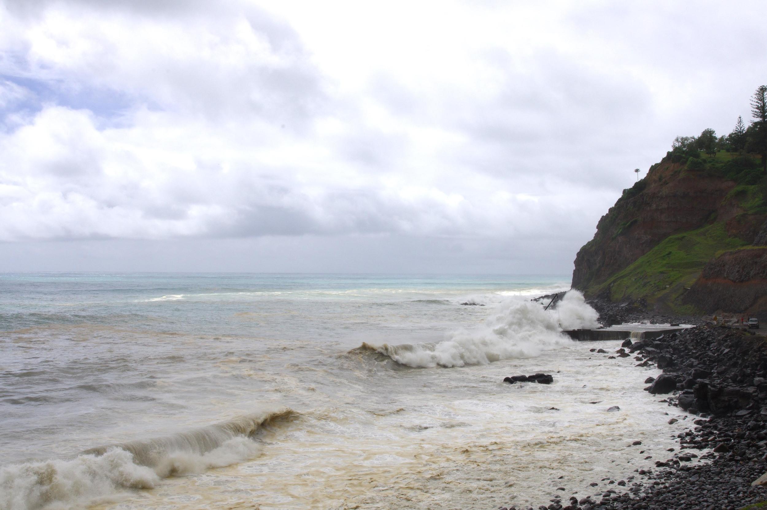 cascade jetty cyclone pam swell