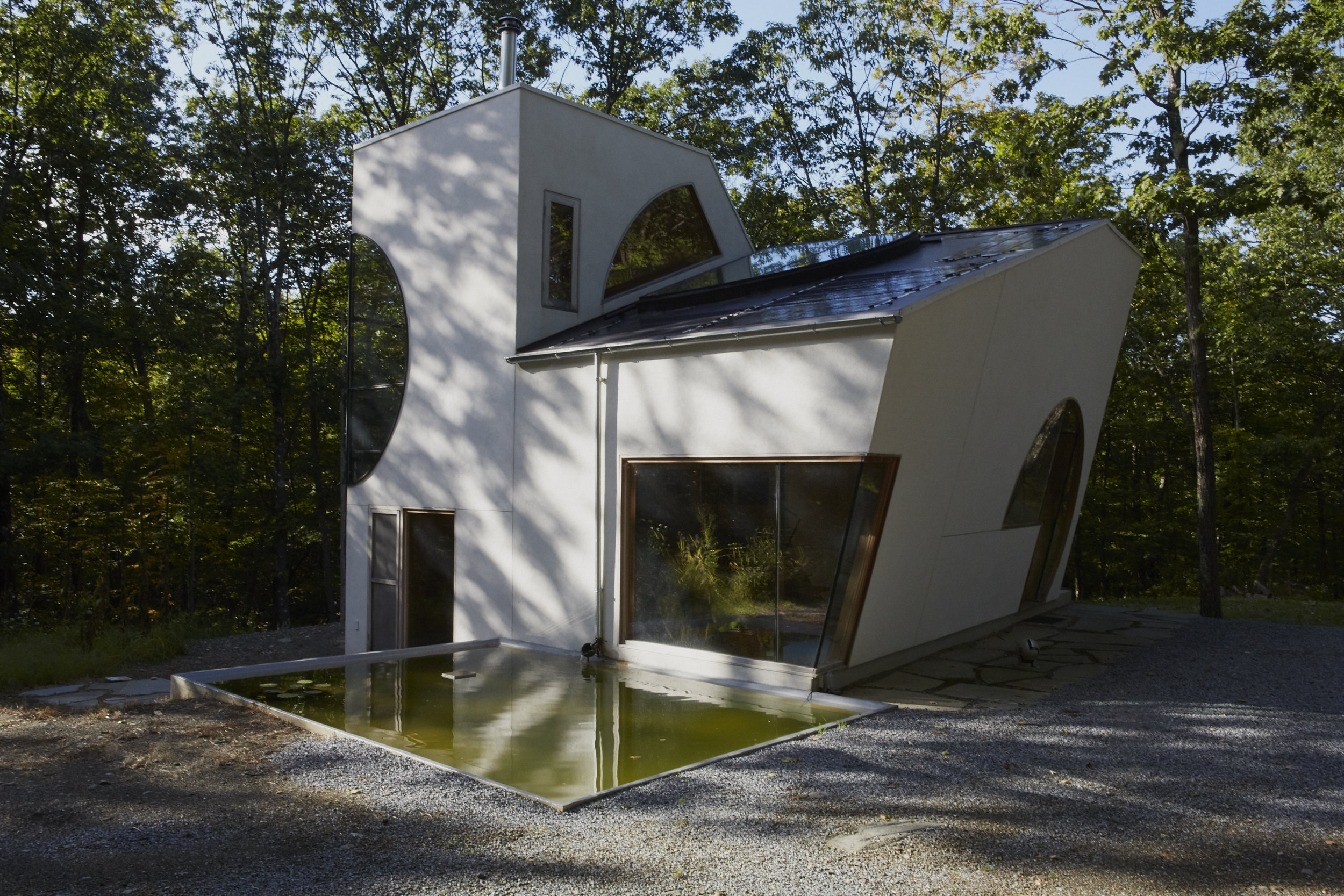 Interior and exterior of  Ex of In House , 2016 by Steven Holl