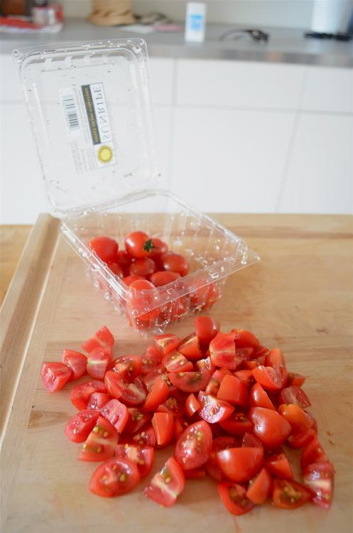 Easy peasy tomato chop.