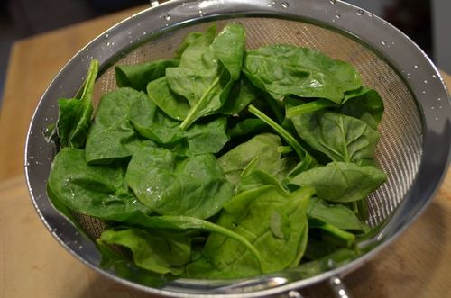 Then I got my greens ready by washing 2 cups spinach…