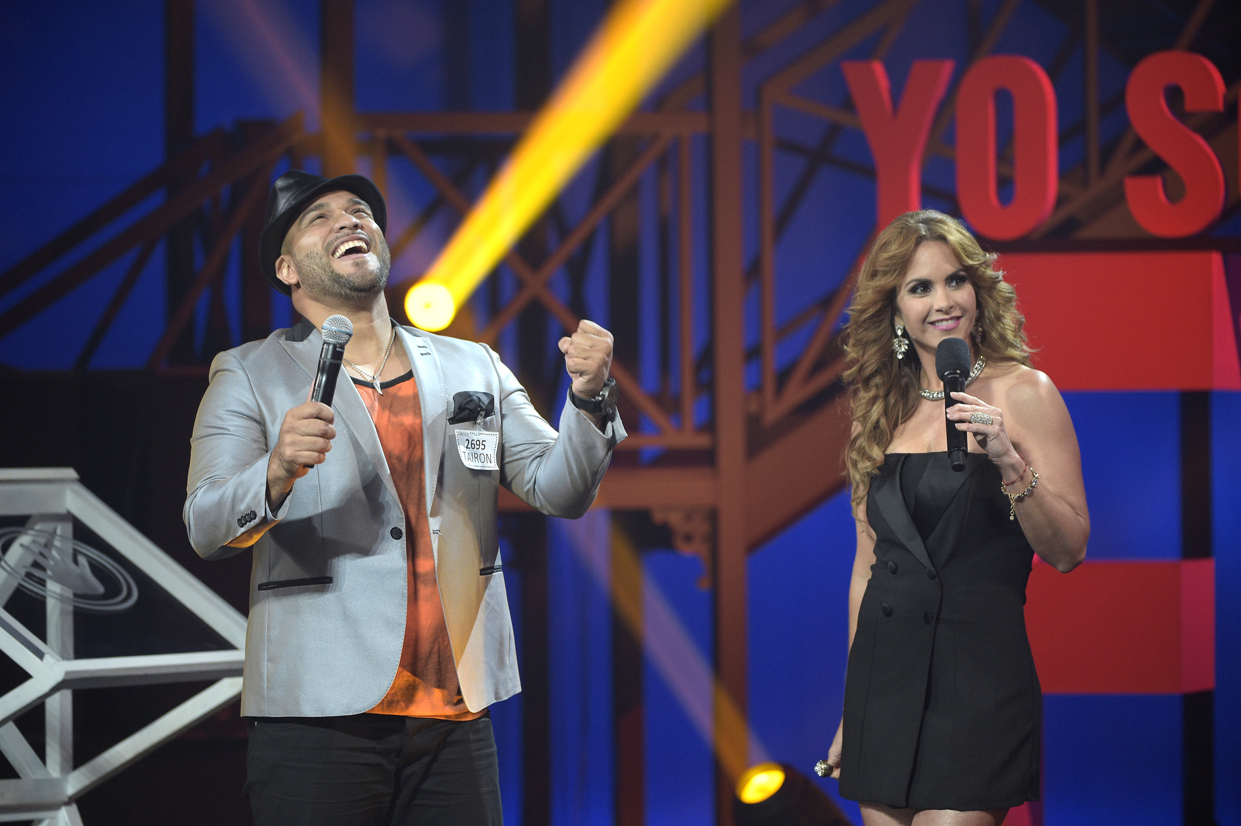 YO SOY EL ARTISTA -- Season:1 -- Pictured: (l-r) Tayron, Lucero -- (Photo by: Josh McComas/Telemundo)