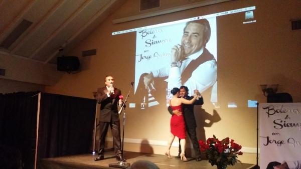 """Durante la presentación del disco, Jorge Quinn Interpretó los temas que incluye la placa, incluyendo el primer sencillo """"Triste Soledad"""". Foto: KioskoNews"""