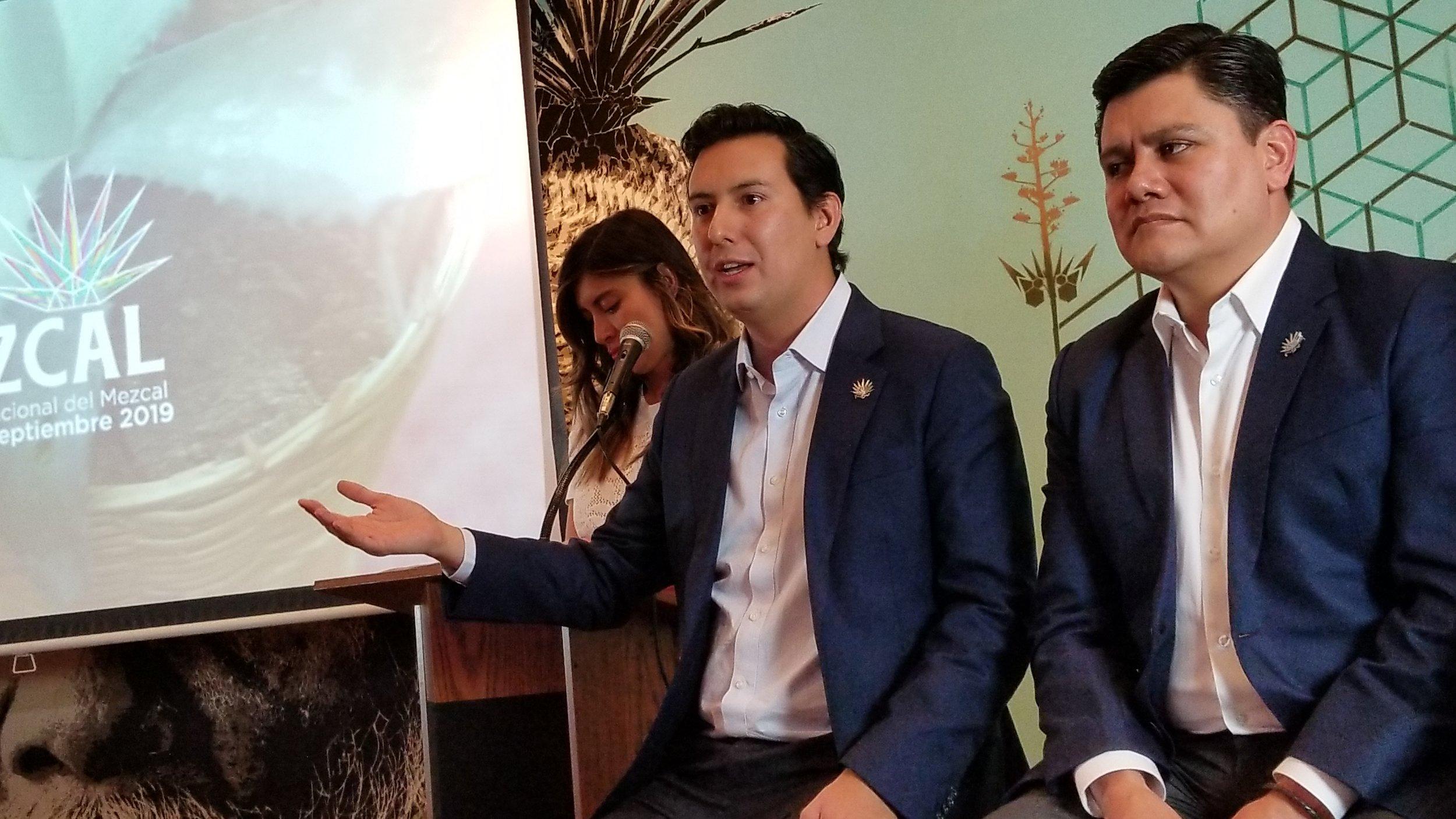 Juan Pablo Guzmán Cabián, secretario de Economía y presidente del Comité Organizador del foro; y Juan Carlos Rivera Castellanos, secretario de Turismo estuvieron en Los Angeles para invitar al evento.