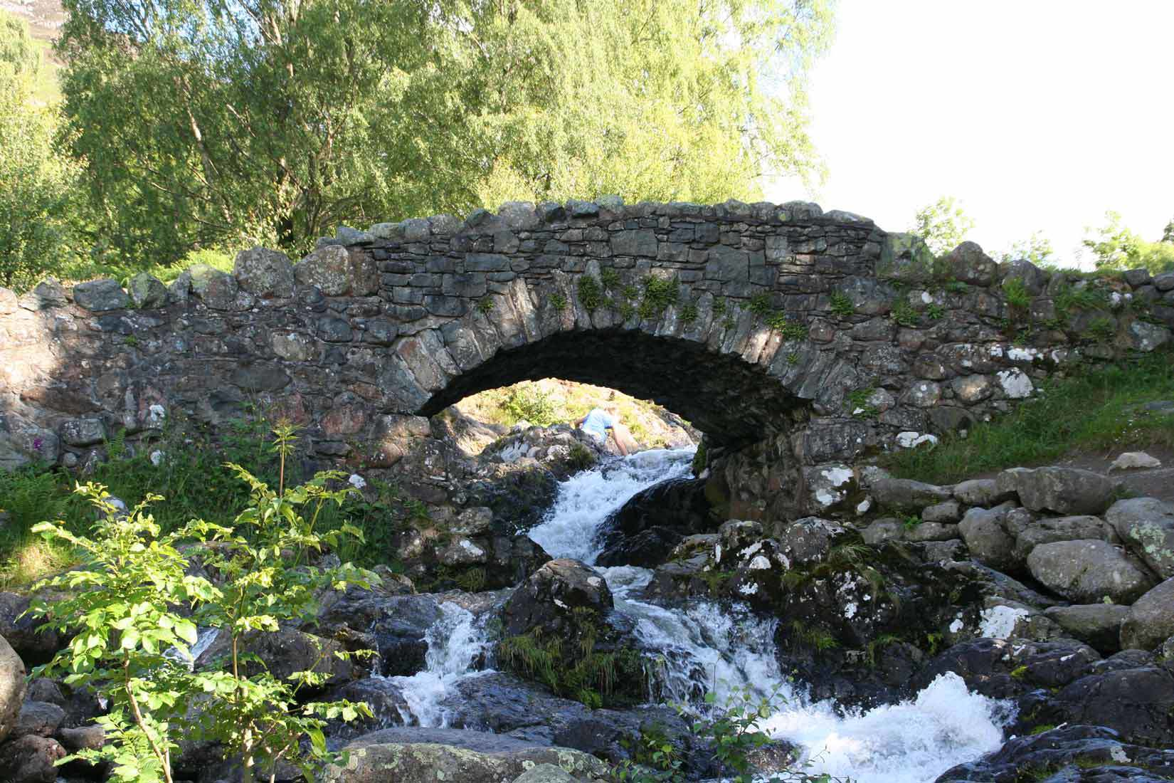 Lake-District-Stone-Bridge.jpg
