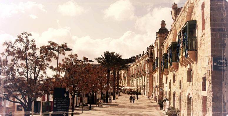 Malta-Valletta-Grand-Habour.jpg