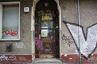 grafitti.door3.JPG