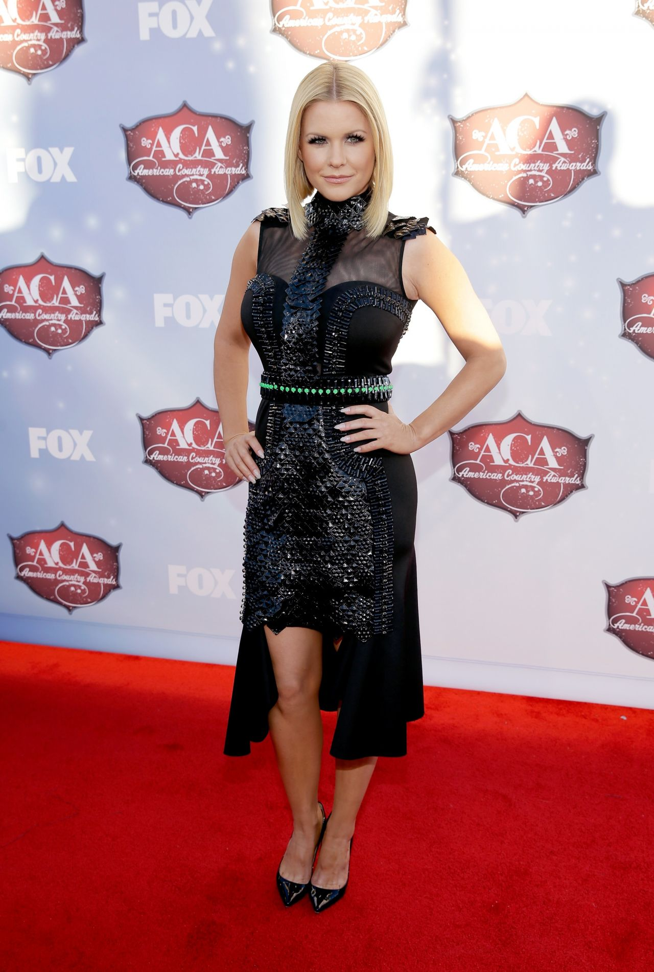 carrie-keagan-attends-2013-american-country-awards-in-vegas_3.jpg