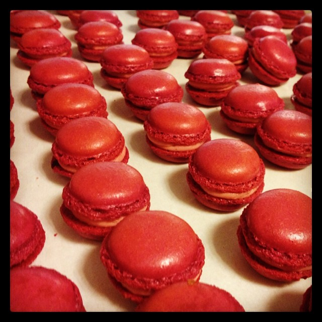 Ever-tempting beetroot macarons—and I don't even normally like beets! From Rodrigo de la Calle's  Instagram .