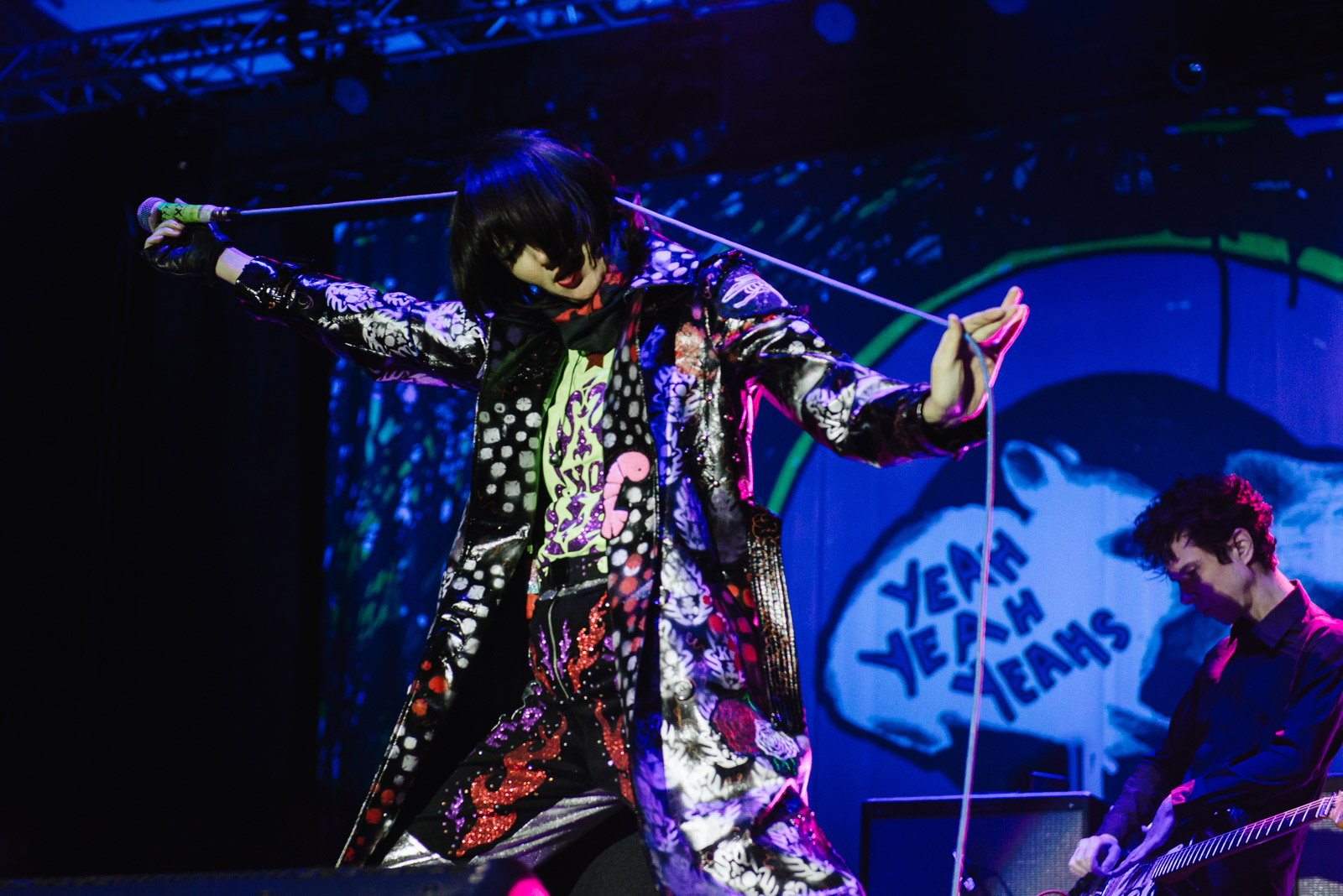 yeahyeahyeahs-growlers6-11.jpg