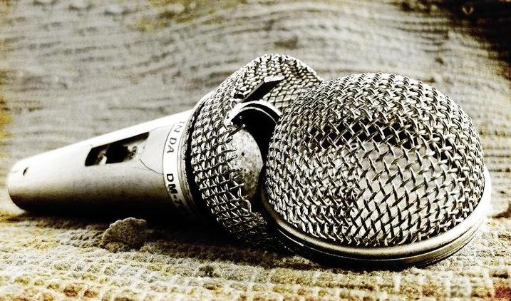 broken_microphone.jpg