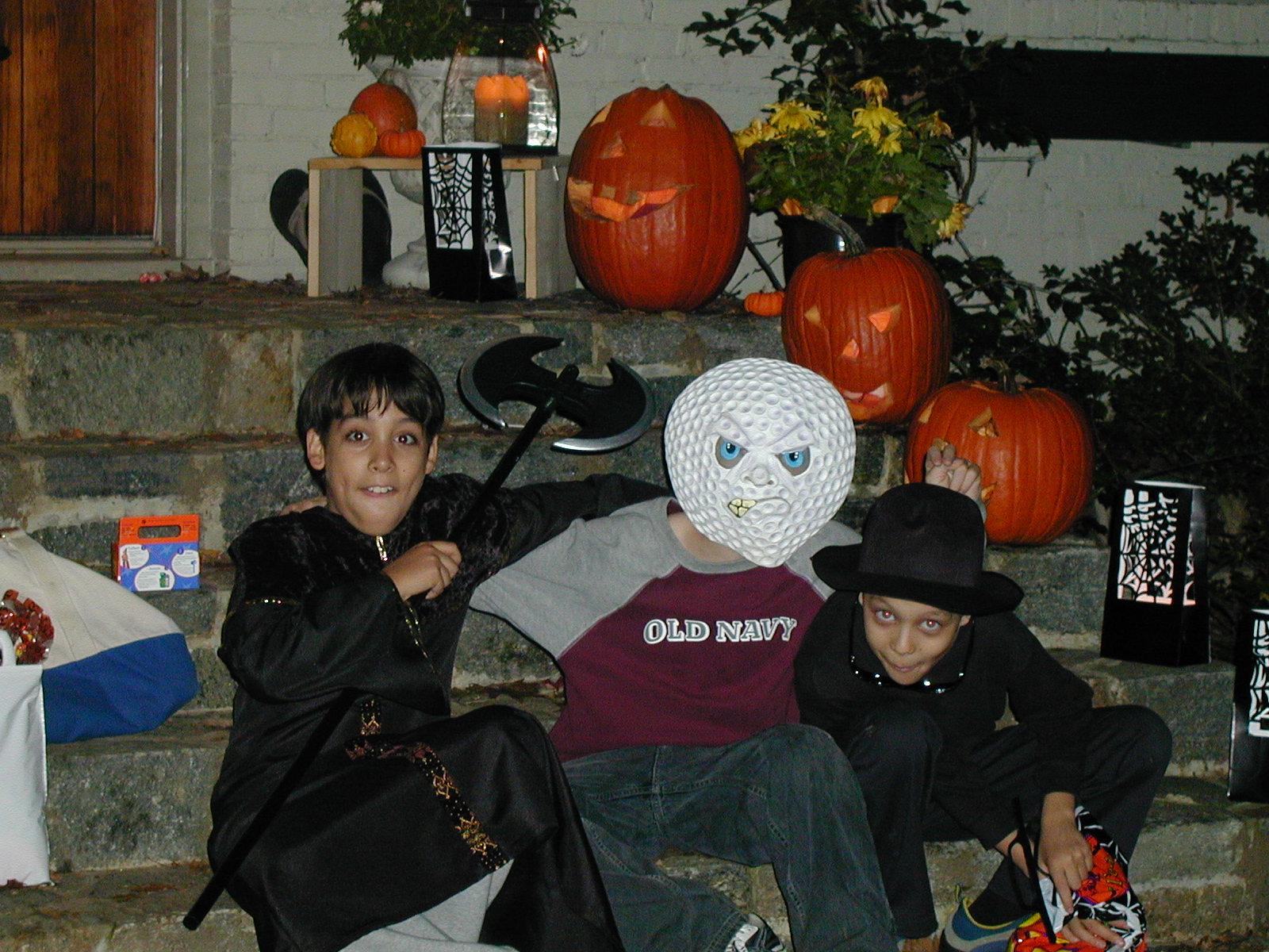 10.31.2003 Halloween and November Christmas Card 025.jpg