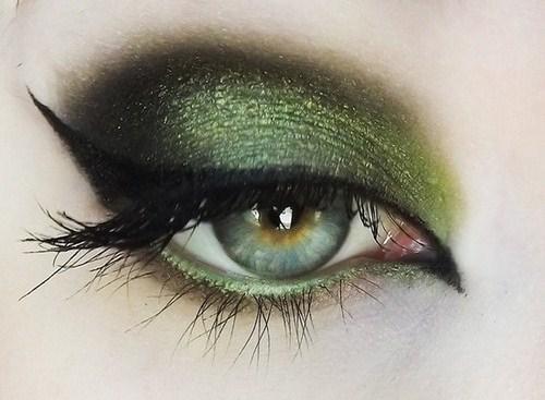 green-eyeshadow.jpg