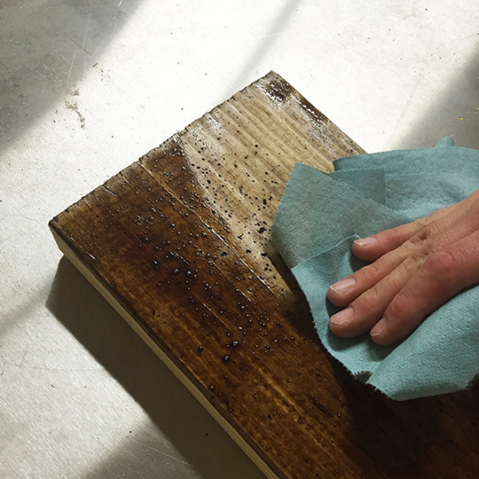 Removing the excess stain