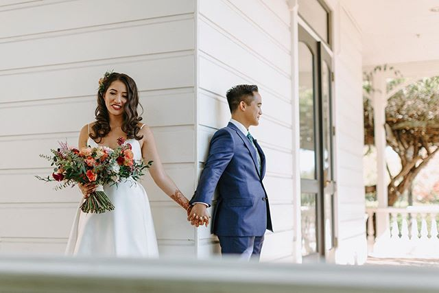 Hold on to the little moments . . . 📷: @noclatis #firstlook #littlethingstheory #hydebride #moonlightdaydreamers #ramekinssonoma #california #adventurouswedding #alfrescowedding #hudsonvalleyweddingphotographer #sonomawedding #summer #hvweddingphotographer #bouquet #destinationwedding #radcouples #authenticlovemag #radlovestories #ramekinswedding #flowers #weddingflowers #engagedtothedetails #weddinginspiration #weddinginspo #sonoma #sonomacounty #generalsdaughtersonoma