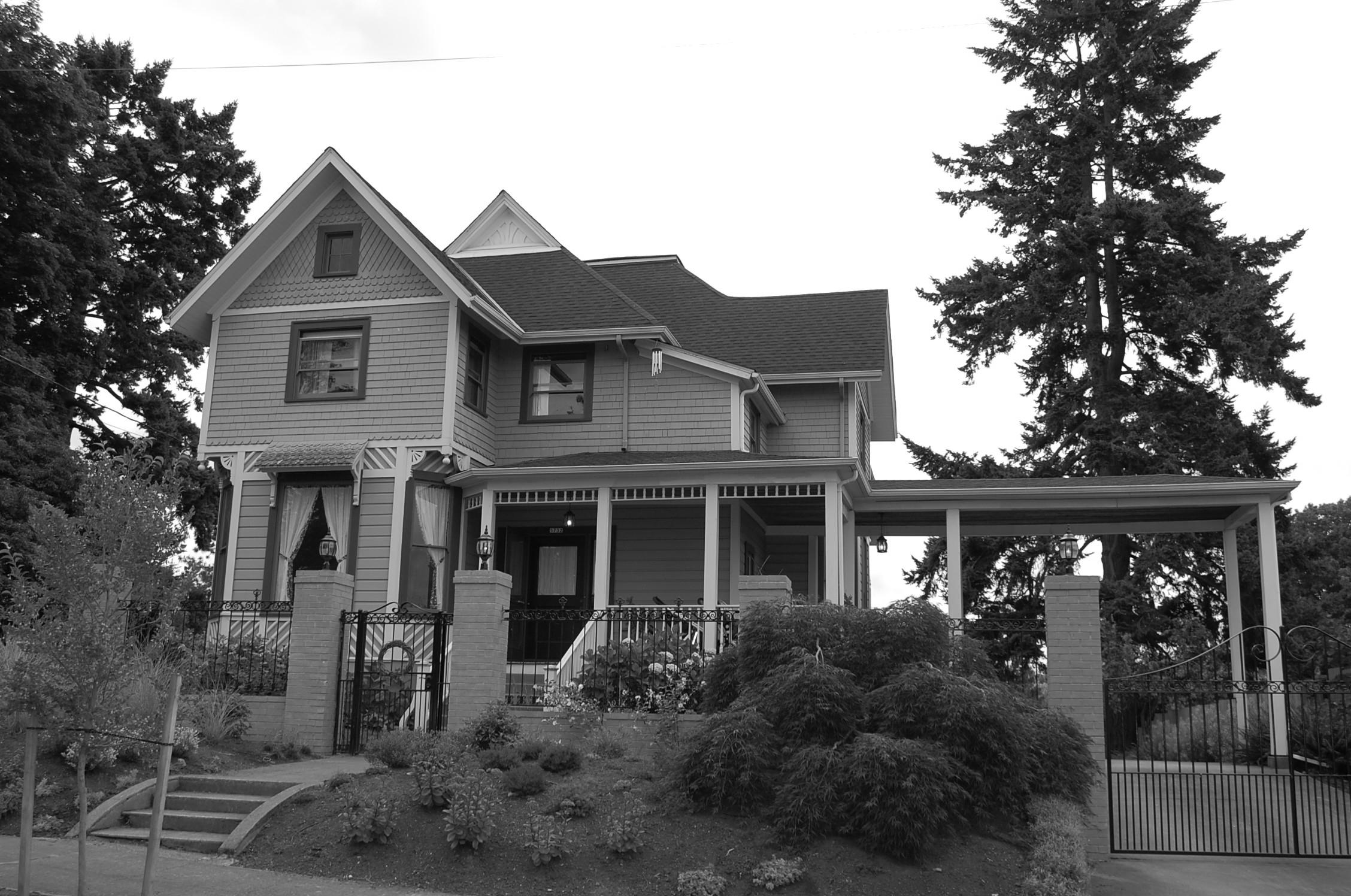 """""""Before"""" front porch & Porte - Cochere"""
