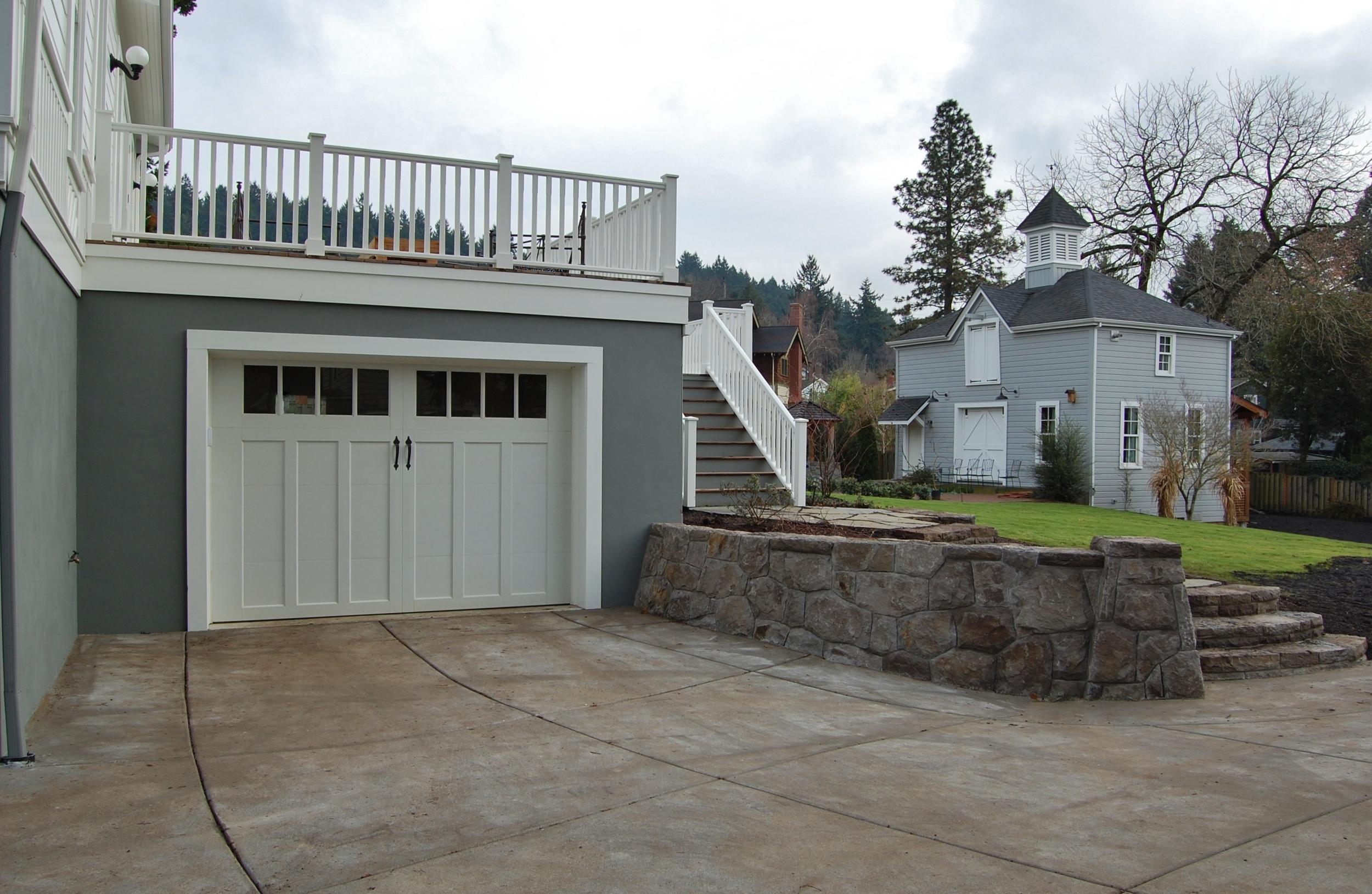 garage-deck-barn.JPG