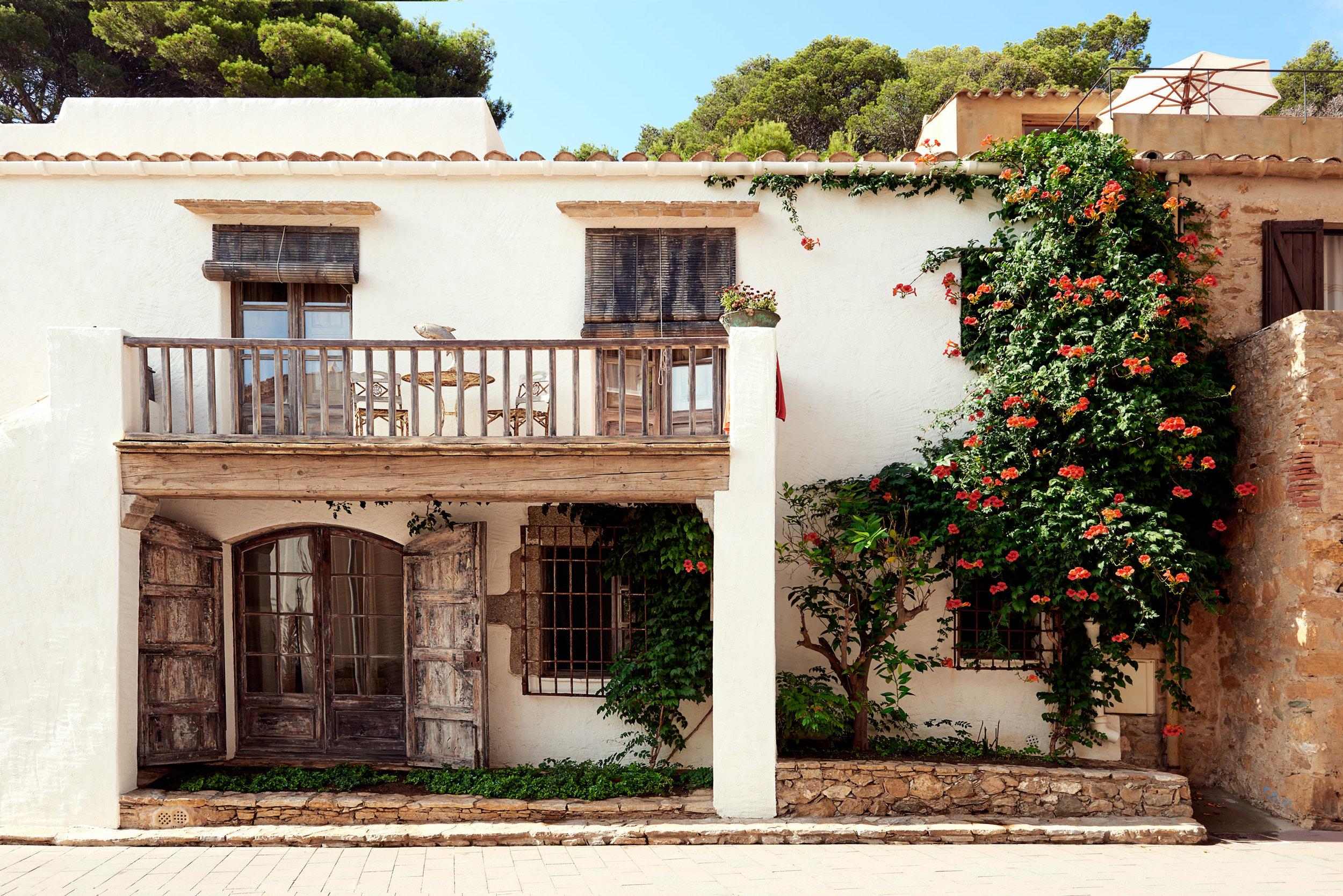 20150830_Travel_Spain--white-house-web.jpg