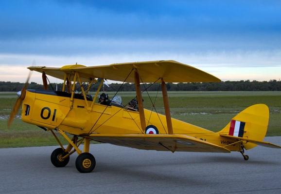 DE HAVILLAND DH.82 Tiger Moth