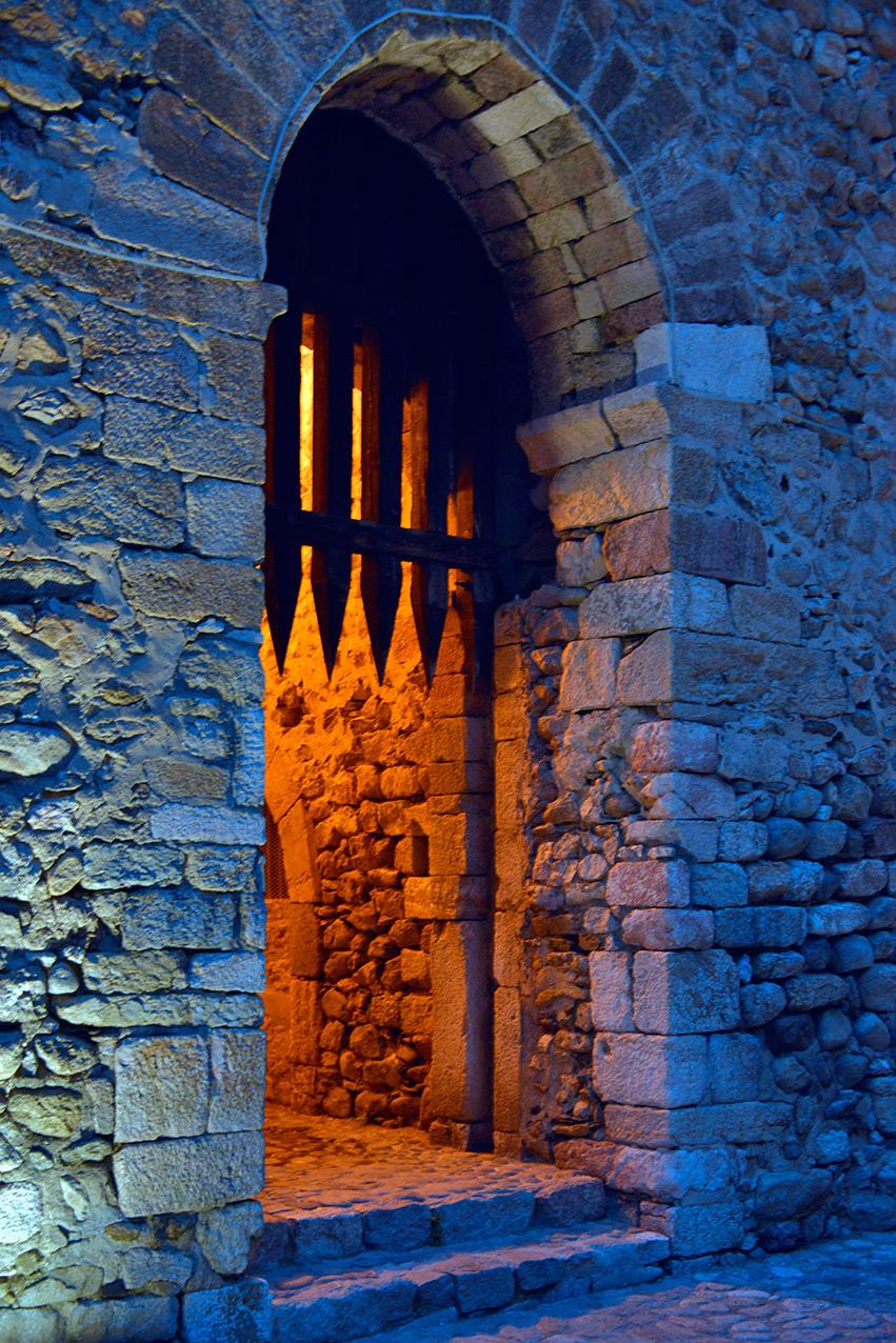 gate_night.jpg