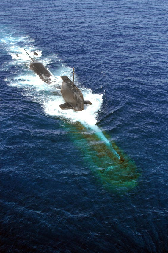 HMAS Rankin diving off Rottnest Island