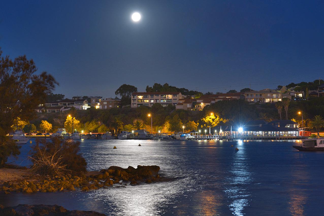 moon_reflection_river.jpg