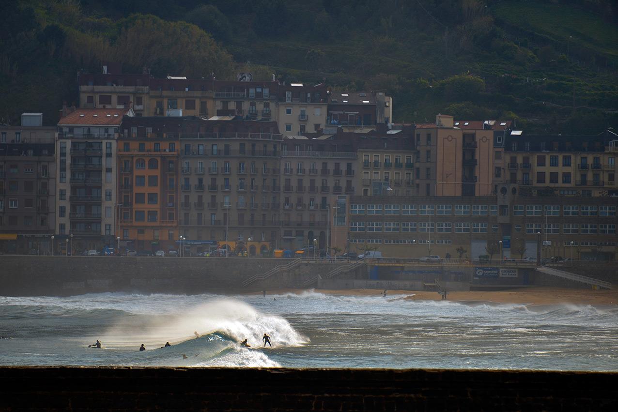 gross_surfing.jpg