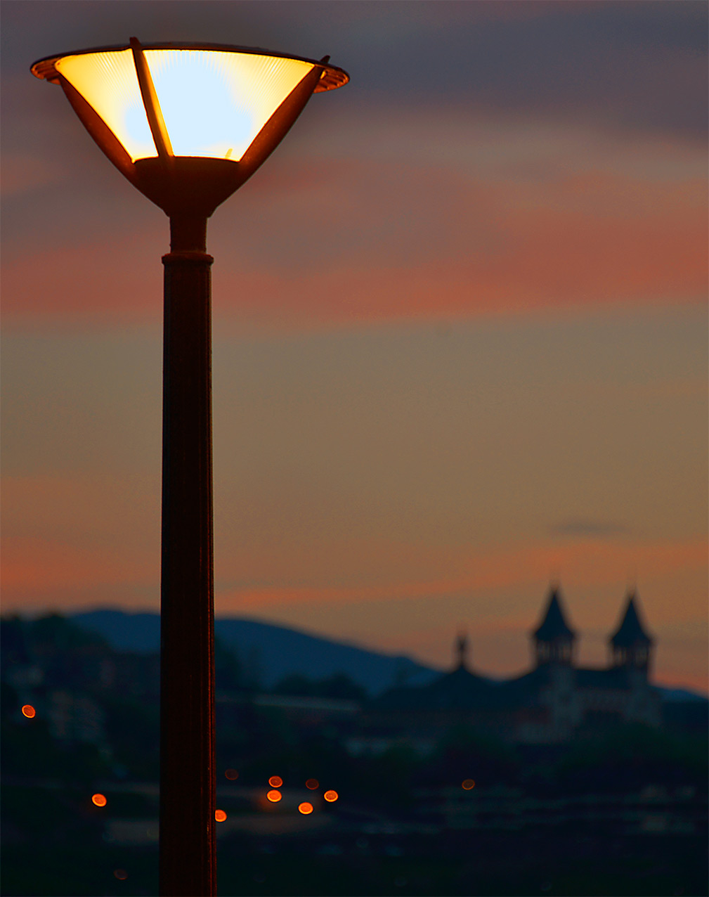 streetlight_sanseb.jpg