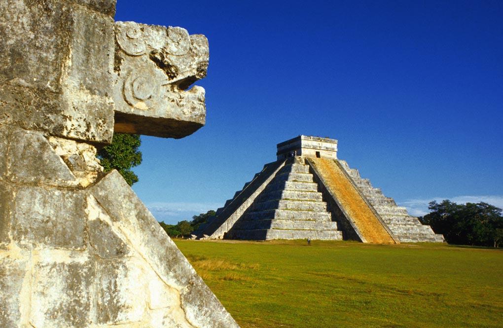 Temple of Kukulcan, Chichen Itza, Yucatan, Mexico