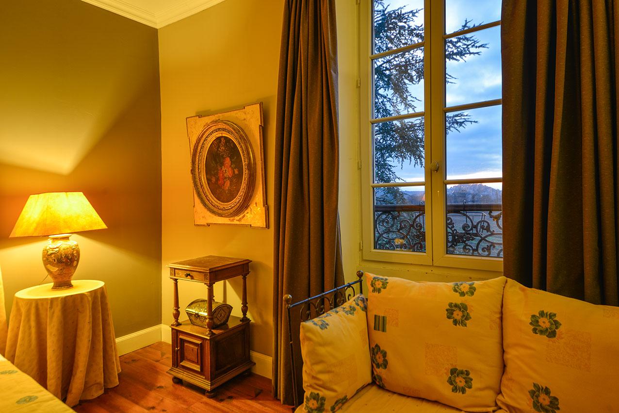 Manor House Provence suite, with Cordes-sur-Ciel through window