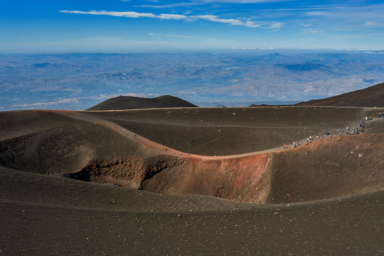mt_etna_crater_wide.jpg