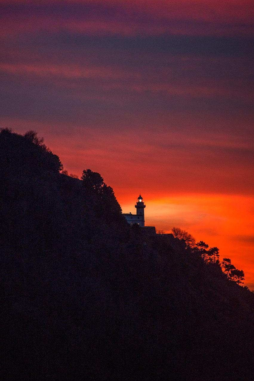 lighthouse_sunset_sanseb.jpg